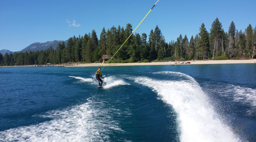 Best Days to Rent a Boat on Lake Tahoe